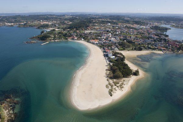 playa santa cristina oleiros